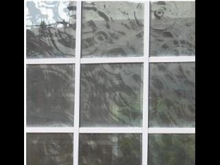 Serigraphie en verre de 4m sur 4m de Philippe Lepeut pour l'IUFM de Toulouse